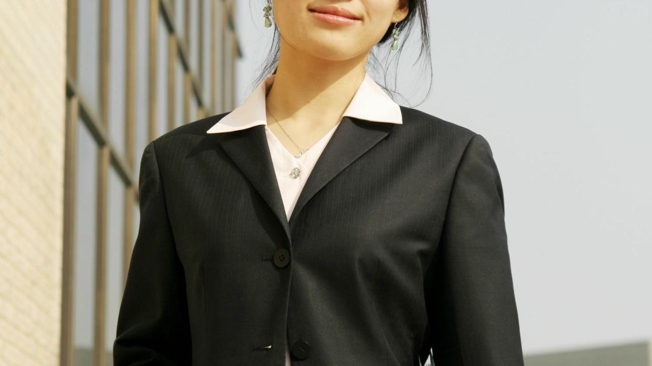 chinese-business-woman-business-woman