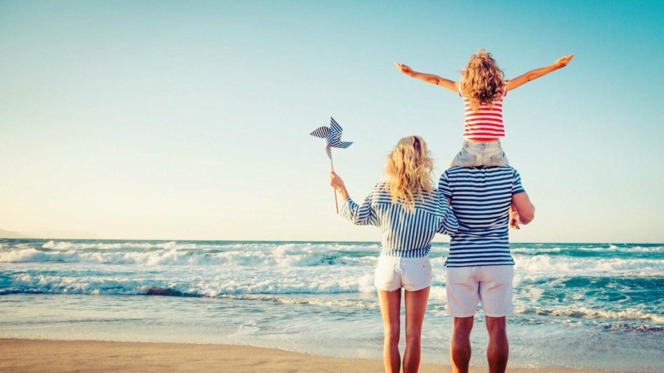 happy-family-secrets-1600x900-happy-family