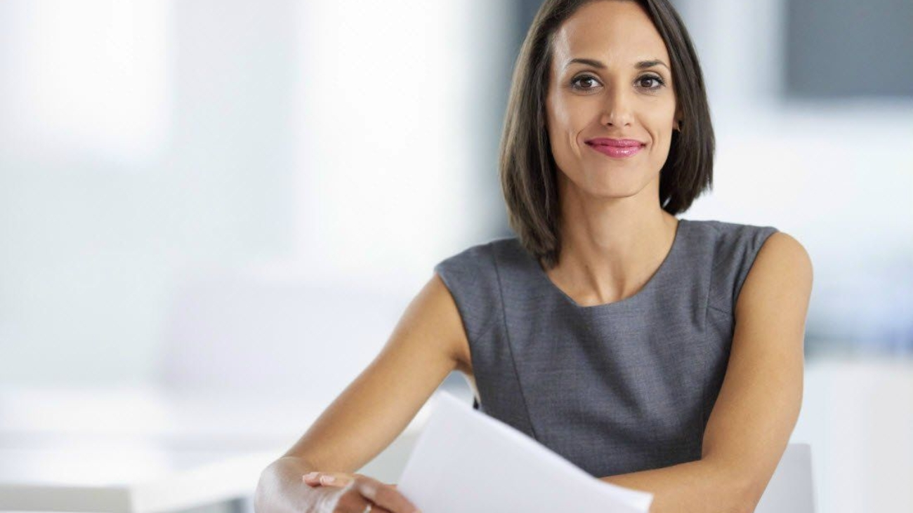 business-woman-papers-business-woman